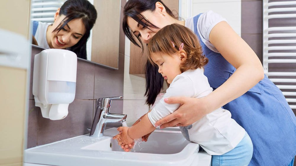 image-6809606-f82e597d1677539acac512b085c98157-how-to-wash-your-hands-properly_7